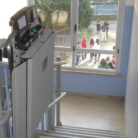 montascale ad Arese per scuola