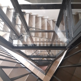 elevatore a varese per vano triangolare