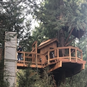 accessibilità sulla casa sull'albero di microsoft con Garaventa Lift