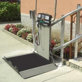 montascale Brescia per disabili scala esterna thumb