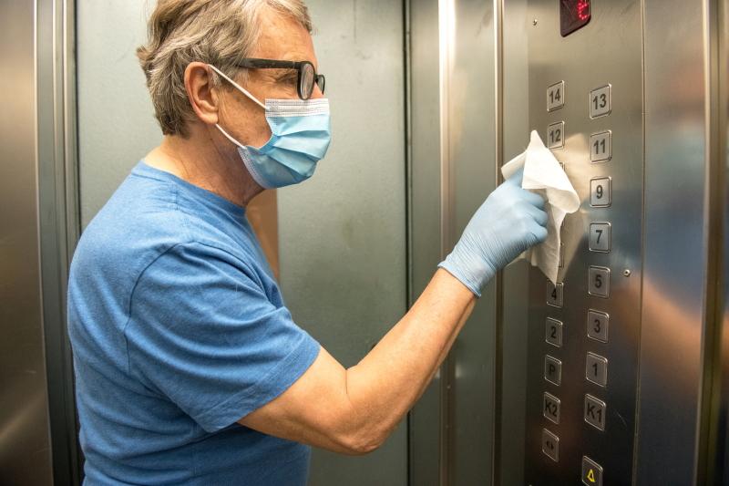 utilizzo ascensore corona virus