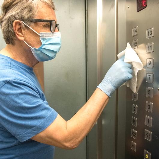 come usare l'ascensore durante il corona virus