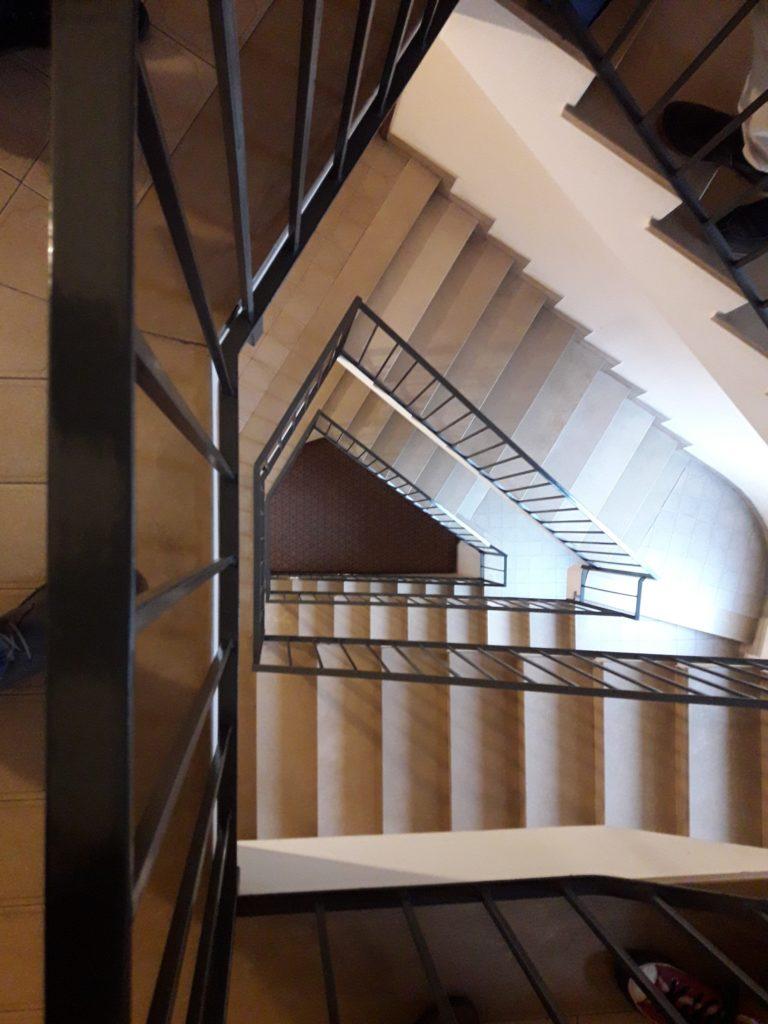 tromba della scala per installazione ascensore condominiale