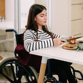 montascale per disabili in sedia a rotelle thumb