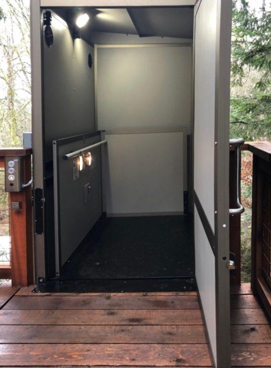 casa sull'albero accessibile con Garaventa lift ascensori