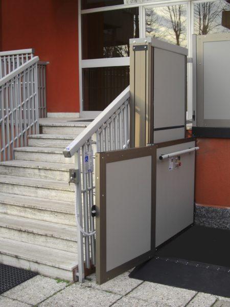 piattaforma elevatrice per ingresso condominiale