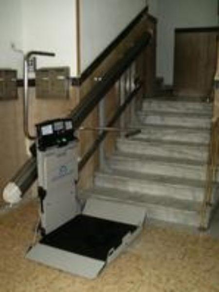 servoscale rettilineo interno condominio