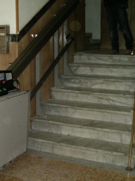 installazione montascale a Napoli in condominio