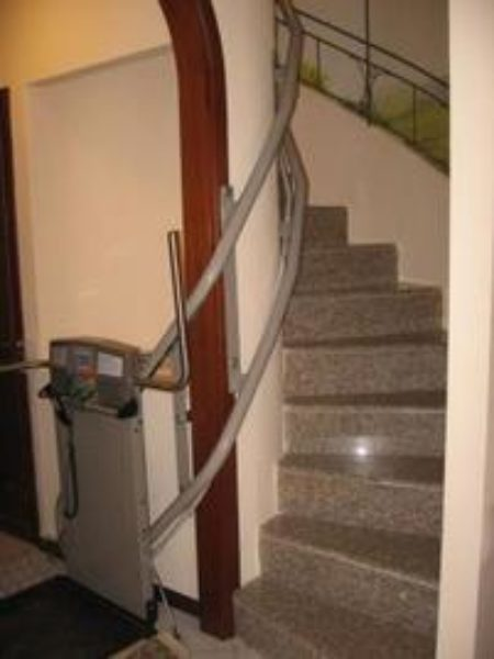 scala stretta interna montascale Garaventa Lift